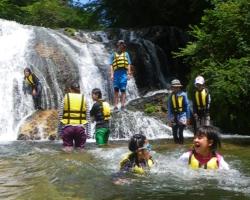 夏休みファミリー水遊び&トレッキング